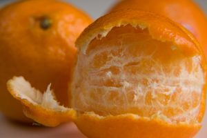Comer-mandarina