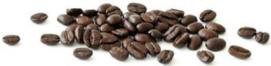 granos-de-cafe-esparcidos-aleatoriamente