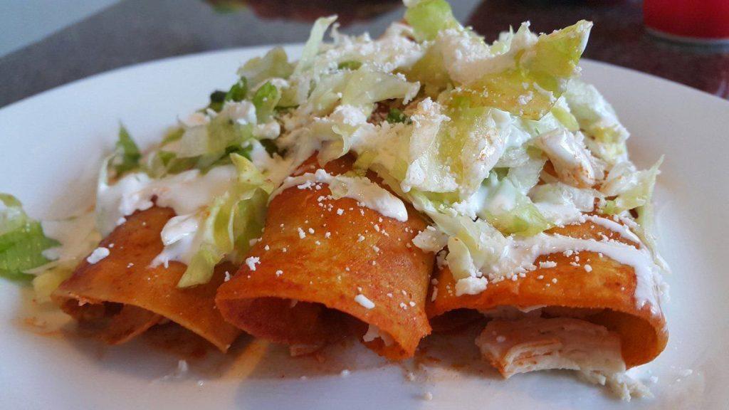 enchiladas-con-tortilla-de-nopal-(baja-en-carbohidratos)