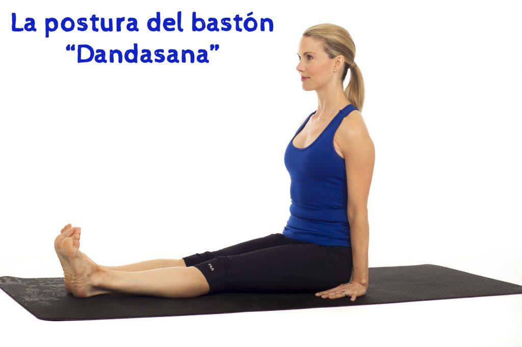 La-postura-del-bastón-o-Dandasana