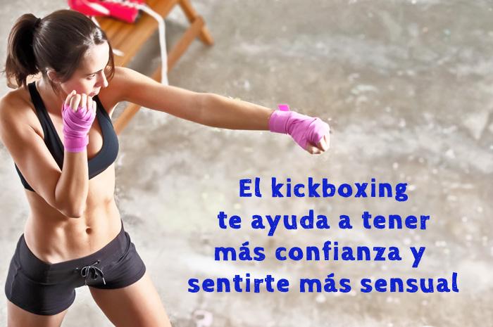 mujer-practicando-kickboxing