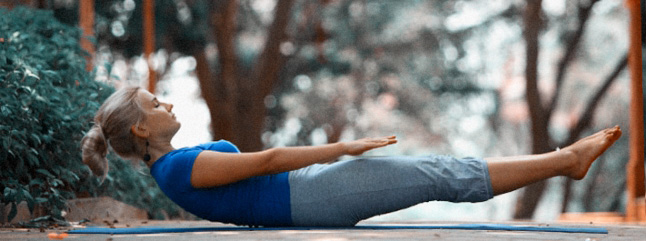 postura-de-yoga-Naukasana