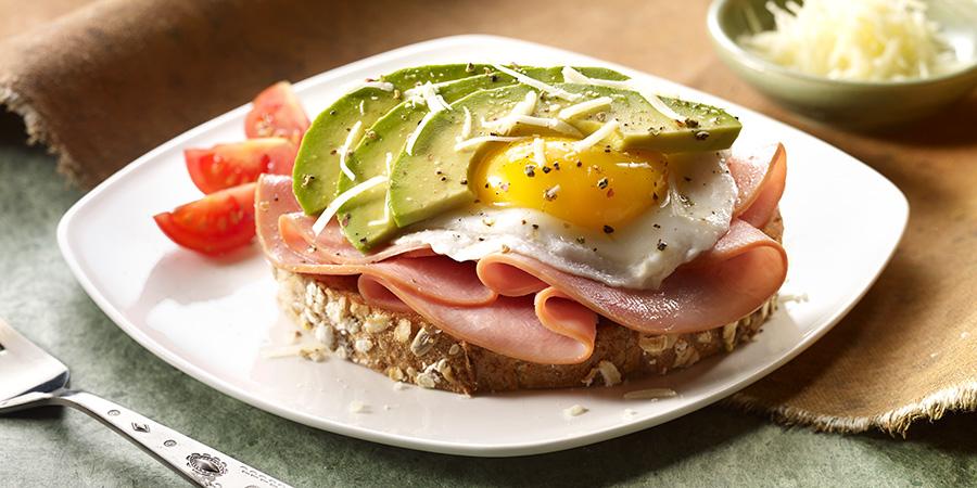 jamon-huevo-y-aguacate