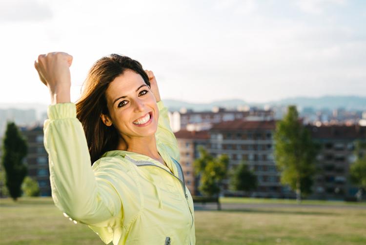 mujer-sonriendo-motivada