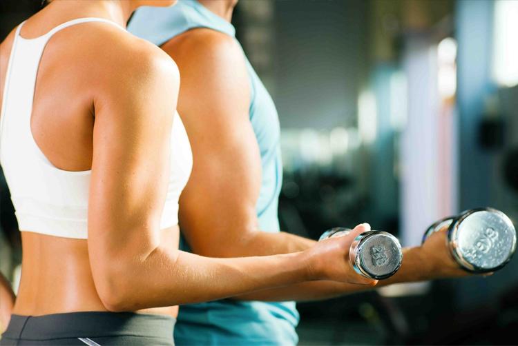 pareja-haciendo-ejercicio