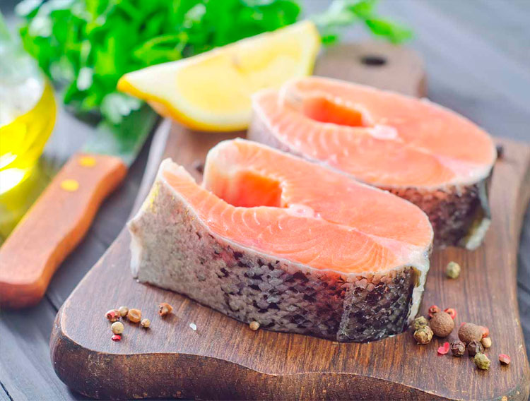 tabla-con-filete-de-salmon