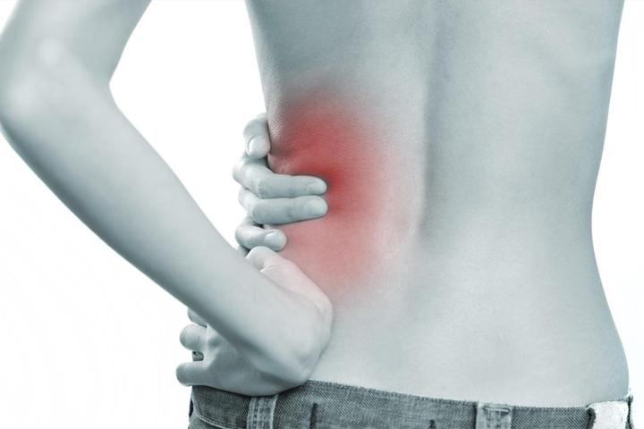 Como calmar el dolor agudo en los riñones a los vertebrados las hernias